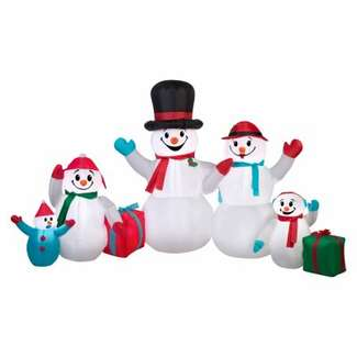 Inflatable Winter Snowman Family Scene, 9 x 4-Ft.